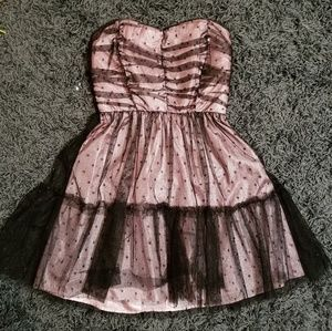 Delias, Black and pink dress